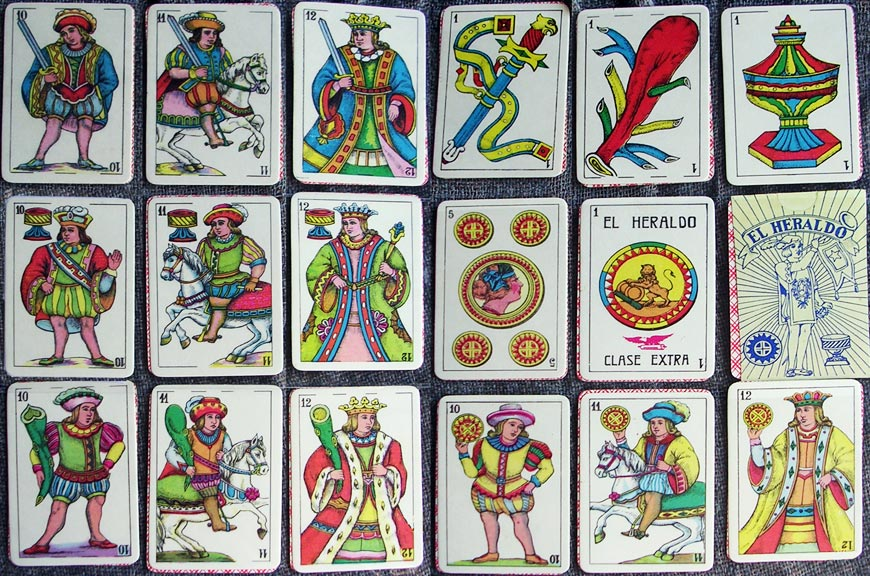 """El Heraldo"" playing cards made in Ecuador since the 1930s"